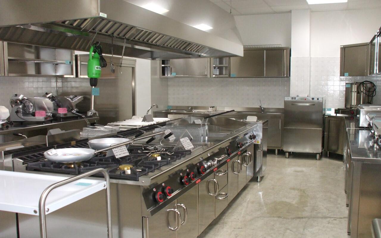 CENTRO VETRINE INOX: foto arredamenti negozi Food Cucine ...