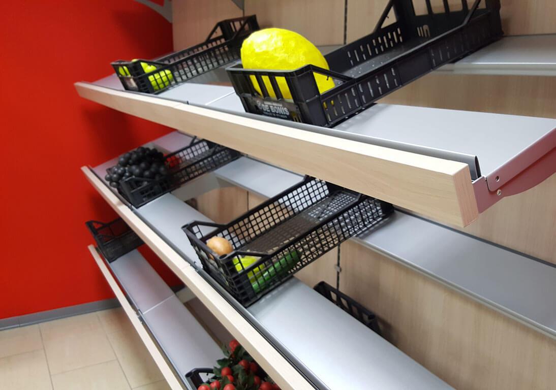 Arredamento con scaffale per frutta in legno da 300 for Arredamento frutta e verdura