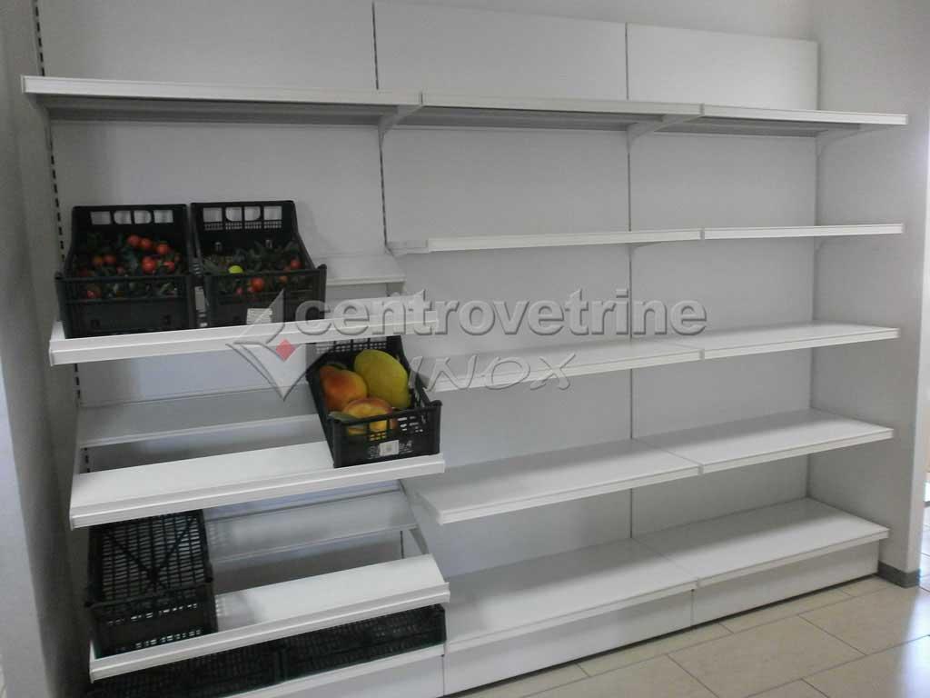 Scaffale in ferro per alimentari frutta e verdura for Arredamenti per negozi di frutta e verdura