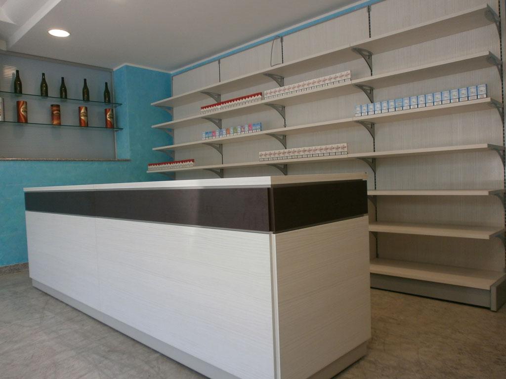 Banco professionale per tabaccheria hacienda mod tecno bv for Negozi arredamento pesaro