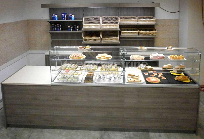 Arredamenti per negozi banchi e vetrine neutre e refrigerate for Arredamento panetteria