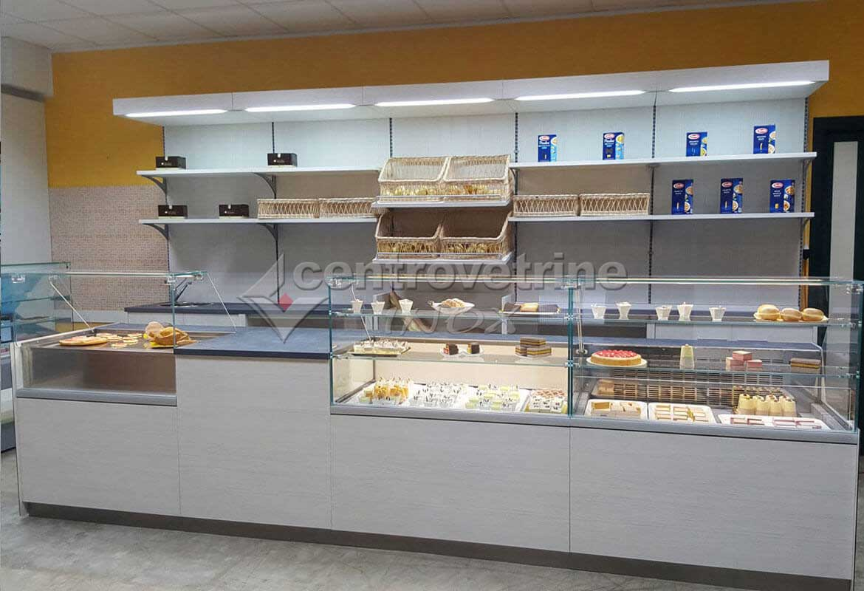 Arredamenti completi di retrobanco e banco per negozi food for Arredamento panetteria
